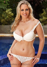 Pornostar - Julia Ann